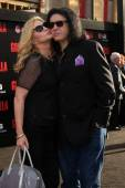 Gene Simmons and Shannon Tweed Simmons — Stock Photo