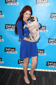 Renee Olstead and dog Sgt. Pepper — Stock Photo