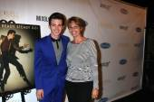 Drake Bell and mother Robin Dodson — Stok fotoğraf