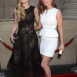 Постер, плакат: Jennifer Morrison and JoAnna Garcia Swisher