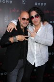 John Varvatos and Paul Stanley — Stock Photo