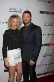 Michelle Armstrong and Matt Lauria — Stock Photo
