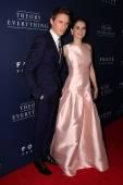 Felicity Jones and Eddie Redmayne — Stock Photo