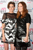 Kristen Stewart, Julianne Moore — Stock Photo