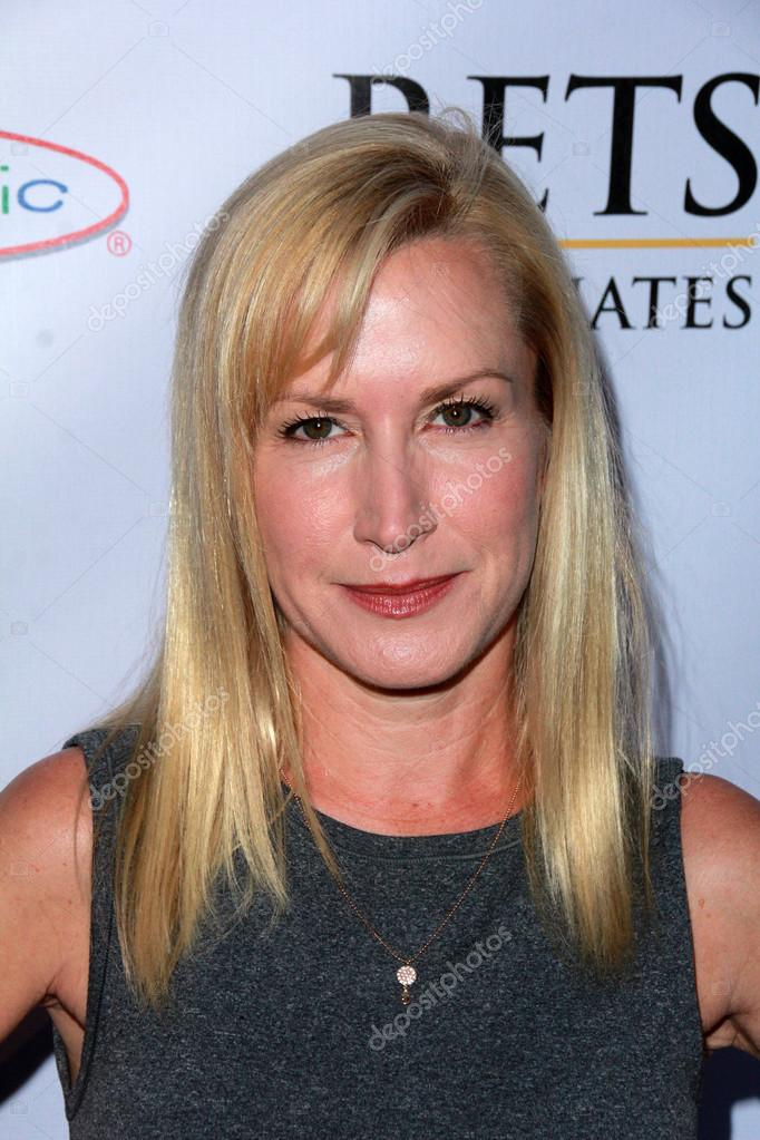 Angela Kinsey at the Norma Jean Gala, Taglyan Complex, Hollywood, CA 03-18-15 — Foto di s_bukley - depositphotos_68369833-Angela-Kinsey