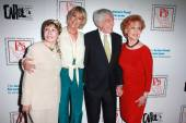 Neile Adams, Sandahl Bergman, Dick Van Dyke, Carol Lawrence — Stock Photo