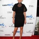 ������, ������: Actress Jenna Elfman