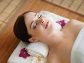 Healthy woman in spa salon — Stock Photo