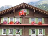 Rural chalet at the village of Engelberg — Stock Photo