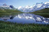 Lake Engstlen over Engelberg — Stock Photo