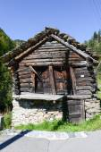 Old barn chalet at Fusio on Maggia valley — Stock Photo