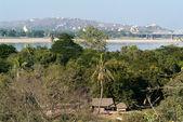 View to Sagaing hill and Soon U Ponya Shin pagoda — Stock Photo