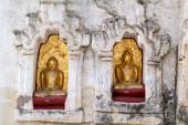 Buddha statues on Mahabodhi temple — Stockfoto