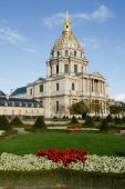 Les Invalides is a complex of museums and tomb in Paris  — Stock Photo