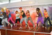 People dancing during Zumba training fitness — Stock Photo