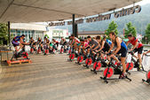 People pedaling during a spinning class — Foto Stock