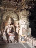 Statues sur les grottes d'Ellora près d'Aurangabad — Photo
