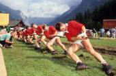 People during a traditional rope pull competition at Engelberg — Stock Photo