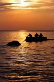 Boaters at Sunset on Lake Erie - Cleveland, Ohio USA — Stock Photo