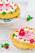 Tart  with cottage cheese, cowberry and cream — Foto Stock