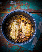 stewed chicken breast with mushrooms in the crock-pot. — Foto de Stock
