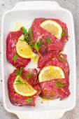 Rå kalvkött redo för en grill — Stockfoto