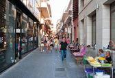 CRETE,HERAKLION-JULY 25: Shopping street Dedalou on July 25,2014 in Heraklion on the island of Crete, Greece. — Stock Photo