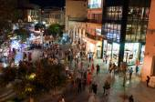 CRETE,HERAKLION-JULY 24: Nightlife and Lions Square on July 24,2014 on the Crete island, Greece. — Foto de Stock