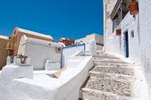 Wąskie drogi w miejscowości Oia Thera,(Santorini). Grecja. — Zdjęcie stockowe