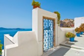 Fira architecture on the island of Thira (Santorini). Greece. — Stock Photo