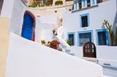 Fira cosy street on the island of Thira (Santorini), Greece. — Stock Photo