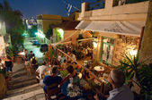ATHENS-AUGUST 22: Street with various restaurants and bars on Plaka area, on August 22, 2014 in Athens. — Stock Photo