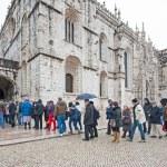 Tourists waiting to enter the Hieronymites Monastery — Stock Photo #55958145