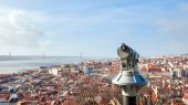 "Lisbon city and Tagus river from the ""Castle Sao Jorge"". — Stock Photo"