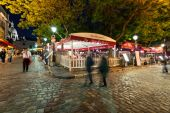 People walking in Montmartre area at night. — Stock Photo