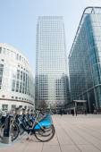 Barclays Cycle Hire in Canary Wharf. — Stock Photo