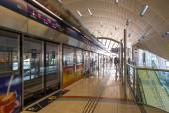 Jumeirah Lakes Tower metro station — Stock Photo