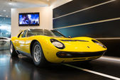 Lamborghini Sports car exibition  at Bologna Airport. — Stock Photo