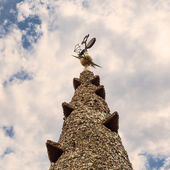 Colourful chimney on rooftop of Gaudi's masterpiece — Stockfoto