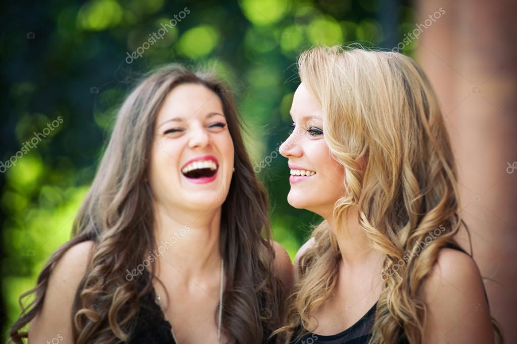 free photo of girls laughing № 12061