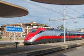 Treno Frecciarossa all'interno stazione Smn. — Foto Stock