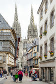 Tourists walking in a street  of Quimper. — Stock Photo