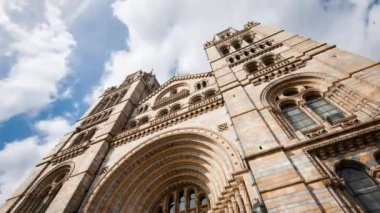 Natural History Museum facade — Stock Video