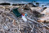 Pollution and waste on the beach — Foto Stock