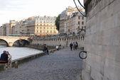 Seine embankment. — Stock Photo