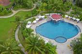 Phuket,TH-Sept,24 2014:Top view of a swimming pool on a cloudy day in Karon Beach, Phuket, Thailand — Foto Stock