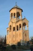 Tbilisi, Georgia-Feb,25 2015: Holy Trinity Cathedral of Tbilisi (Sameba) - the main cathedral of the Georgian Orthodox Church — Stock Photo
