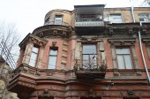 Eclectic of Tbilisi - old house on the Lado Asatiani street — Stock Photo