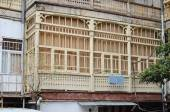House with a traditional balcony in Tbilisi. Old city — Foto de Stock