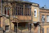 House with a traditional balcony in Tbilisi. Old city — Stock Photo